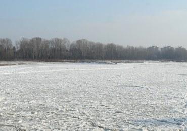 Tragedia w Rudzińcu. Lód załamał się pod nastolatkami