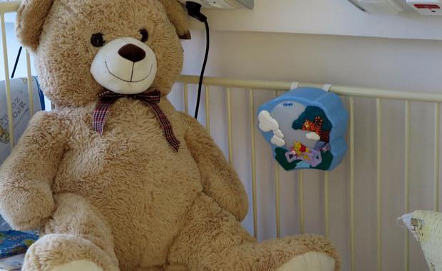 Prokuratura Rejonowa w Pile w Wielkopolsce postawiła zarzut zabójstwa z zamiarem ewentualnym ojczymowi i matce dwuletniej Liliany, która w marcu ub. roku ze śladami pobicia trafiła do szpitala. Lekarzom nie udało się uratować dziecka.