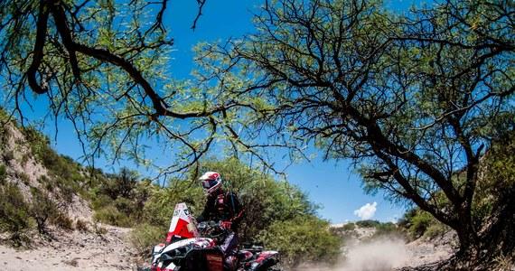 Wyjeżdżając z chłodnej i deszczowej Boliwii, uczestnicy 40. edycji Rajdu Dakar musieli szybko przestawić się na zgoła inne warunki. W Argentynie zrobiło się gorąco, a niemal każdy z rajdowców spędził na trasie etapu ponad 10 godzin. W tych trudnych warunkach Kamil Wiśniewski uzyskał 13. czas i awansował w klasyfikacji generalnej o trzy pozycje.