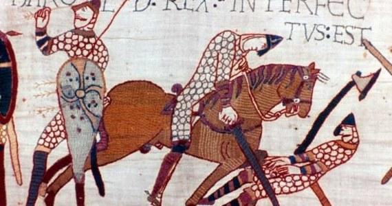 """Prezydent Francji Emmanuel Macron podczas wizyty w Wielkiej Brytanii przedstawi plany wypożyczenia brytyjskiemu muzeum słynnej Tkaniny z Bayeux z XI wieku - poinformował w środę dziennik """"The Times""""."""