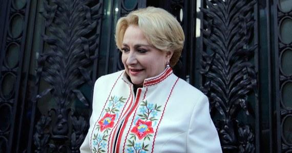 Prezydent Klaus Iohannis desygnował na premiera Rumunii 54-letnią eurodeputowaną Vioricę Dancilę, kandydatkę rządzącej w kraju Partii Socjaldemokratycznej (PSD). Poprzedni premier Mihai Tudose zrezygnował z funkcji po utracie poparcia PSD.