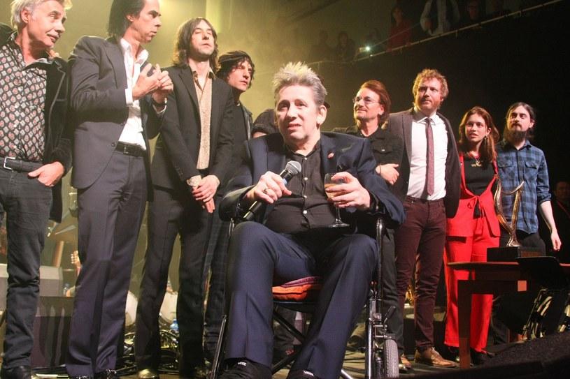 Uznani goście - m.in. Nick Cave, Bono i Sinead O'Connor - pojawili się na specjalnym koncercie urodzinowym Shane'a MacGowana w Dublinie. Wokalista znany z irlandzkiej folkowo-punkowej grupy 25 grudnia 2017 r. skończył 60 lat.