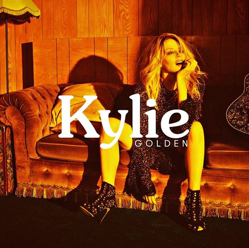 """6 kwietnia do sklepów trafi nowa płyta Kylie Minogue. Zapowiedzią albumu """"Golden"""" jest singel """"Dancing"""", którego możecie posłuchać poniżej."""