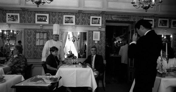 """W wieku 91 lat zmarł francuski mistrz sztuki kulinarnej Paul Bocuse - poinformował w sobotę na Twitterze szef MSW Francji Gerard Collomb. """"Gastronomia pogrążyła się w żałobie... Odszedł papież gastronomii"""" - napisał minister."""