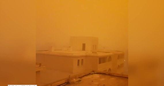 Południowo-wschodnia prowincja Mardin w Turcji została nawiedzona przez wyjątkowe zjawisko atmosferyczne. Przez miasto Nusaybin przeszła burza piaskowa w kolorze ciemnej pomarańczy. Niezwykłe widoki przypominały marsjański krajobraz.