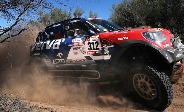 Jadący Peugeotem Hiszpan Carlos Sainz wygrał zakończony w argentyńskiej Cordobie 40. Rajd Dakar. Piąte miejsce zajął kierowca Orlen Teamu Jakub Przygoński w Mini. Przed rokiem Polak, także z belgijskim pilotem Tomem Colsoulem, był siódmy.