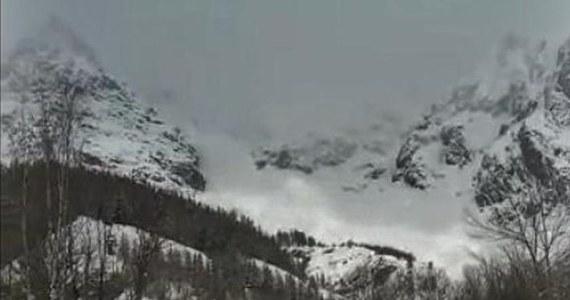 Setki turystów z wielu krajów – m.in. Polacy – nie mogą opuścić rejonu doliny Val Senales w Dolomitach w Górnej Adydze we Włoszech. Prowadząca tam droga została zamknięta z powodu zagrożenia lawinowego i obfitych śnieżyc - podały media.