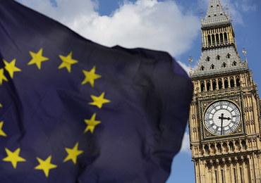 Kto zapłaci za rejestrację unijnych obywateli w W. Brytanii? Koszt to 72,5 funta za osobę