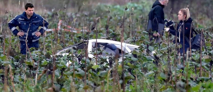 Cztery osoby zginęły w powietrznej kolizji śmigłowca i małego samolotu pod miastem Philippsburg koło Karlsruhe w niemieckim kraju związkowym Badenia-Wirtembergia - poinformowała policja.