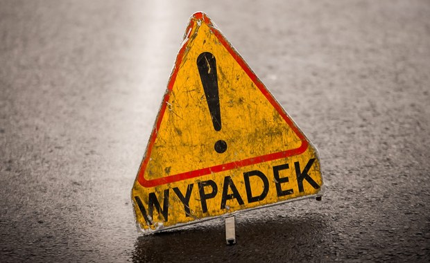 Pięć osób trafiło do szpitala po zderzeniu dwóch busów we wsi Zastruże pod Koninem. Na miejscu pracuje policja, a droga powiatowa między Sławskiem i Modłą jest zablokowana.