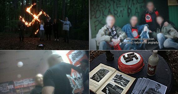 """Zarzut publicznego propagowania nazistowskiego ustroju państwa, za co grozi do 2 lat więzienia, usłyszał szósty już uczestnik ubiegłorocznych """"obchodów"""" 128. rocznicy urodzin Adolfa Hitlera w lesie w okolicach Wodzisławia Śląskiego. Mężczyzna został zatrzymany w czwartek przez funkcjonariuszy Agencji Bezpieczeństwa Wewnętrznego. Z kolei dwoje zatrzymanych wcześniej uczestników """"urodzin Hitlera"""" zostało w czwartek zwolnionych do domu."""