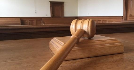 Krakowski sąd zadecyduje w lutym, czy powoła nowego biegłego z zakresu wypadków drogowych w procesie kierowcy oskarżonego o spowodowanie wypadku, w którym śmiertelne obrażenia odniósł prof. Jerzy Vetulani. Na ostatniej rozprawie wniosek taki złożyła obrona.