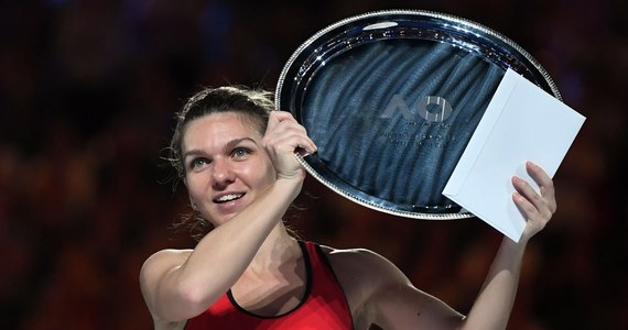 Simona Halep po przegranym w sobotę finale turnieju Australian Open była hospitalizowana całą noc - informują media. Rumuńska tenisistka, która w poniedziałek straci miano liderki światowego rankingu, trafiła do szpitala w Melbourne z powodu odwodnienia.