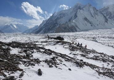 Wyprawa na K2. Marcin Kaczkan: Pogoda uniemożliwia powrót kolegów do bazy