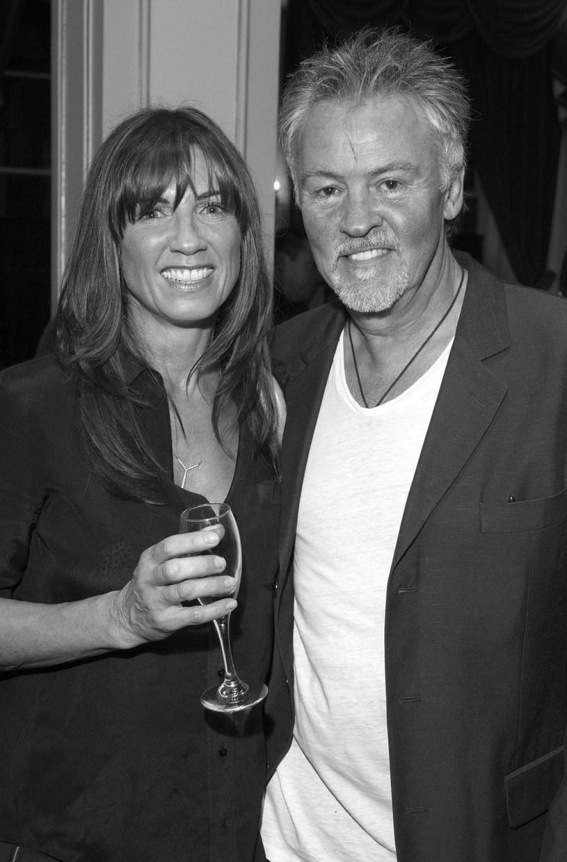 Stacey Young, żona brytyjskiego wokalisty Paula Younga, zmarła w wieku 52 lat na raka mózgu.