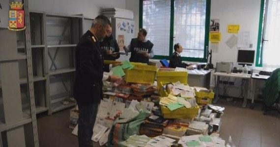 Prawie 600 kilogramów niedoręczonych listów i przesyłek przechowywał w swoim garażu listonosz z okolic Vicenzy na północy Włoch. Gromadził je przez 8 lat. Włoskie media podkreślają, że jest to rekordowa ilość niedostarczonej korespondencji.