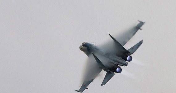 """Nad Morzem Czarnym doszło do """"niebezpiecznej interakcji"""" między rosyjskim wojskowym odrzutowcem i amerykańskim samolotem zwiadowczym US Navy - podał w oświadczeniu Departament Stanu USA. Statki powietrzne minęły się w odległości 1,5 metra."""