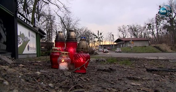 Policja informuje, że znaleziono ciało młodego mężczyzny poszukiwanego po tragicznym wypadku w Czerwionce-Leszczynach (woj. śląskie). Auto osobowe uderzyło tam w drzewo, a później w betonową latarnię. Zginęły dwie osoby.