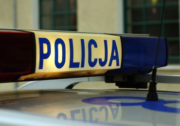 Porachunki pseudokibiców w Krakowie. W ruch poszły noże i maczety, 18-latek prawie stracił rękę