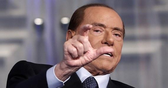 Były premier Włoch, lider bloku centroprawicy, Silvio Berlusconi przerwał na dwa dni kampanię przed marcowymi wyborami parlamentarnymi. Nieoficjalnie media podały, że 81-letni polityk jest przemęczony. On sam zapewnia, że czuje się bardzo dobrze.