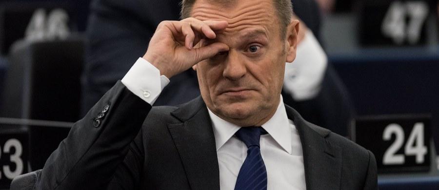 """Autorzy ustawy o IPN wypromowali podłe oszczerstwo o """"polskich obozach"""" na cały świat - ocenił szef Rady Europejskiej, były premier Donald Tusk."""