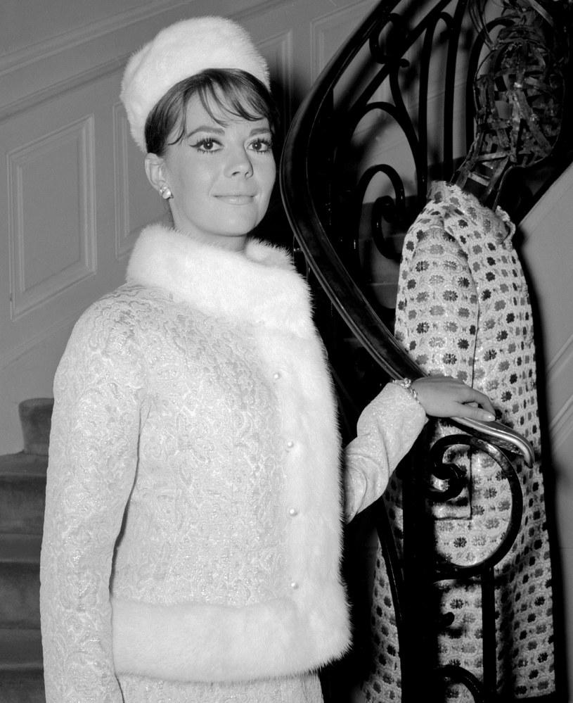 Policja w Los Angeles poinformowała w czwartek, 1 lutego, że zeznania nowych świadków utonięcia w 1981 r. jednej z czołowych ówczesnych gwiazd Hollywoodu Natalie Wood stawiają, wyraźniej niż poprzednio, wśród podejrzanych jej męża, 87-letniego dzisiaj aktora Roberta Wagnera.