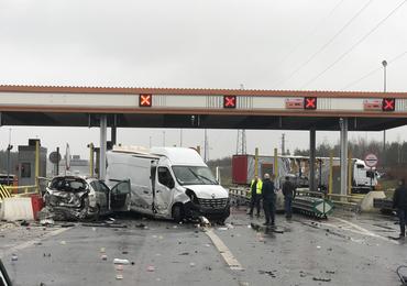 Pijany kierowca staranował pięć aut. Opublikowano film, na którym widać moment wypadku