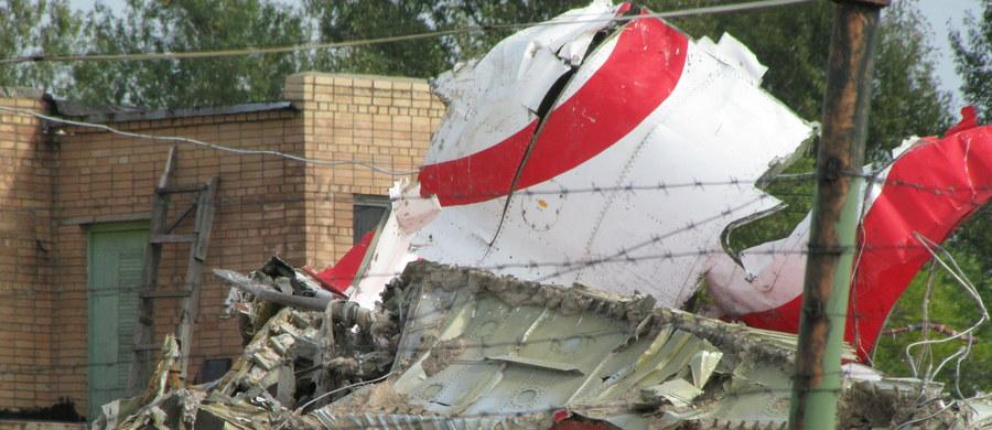Brytyjski ekspert podkomisji smoleńskiej Frank Taylor stwierdził, że w Tu-154, który rozbił się 10 kwietnia 2010 r. w Smoleńsku, doszło do wewnętrznej eksplozji - podała w piątek podkomisja.