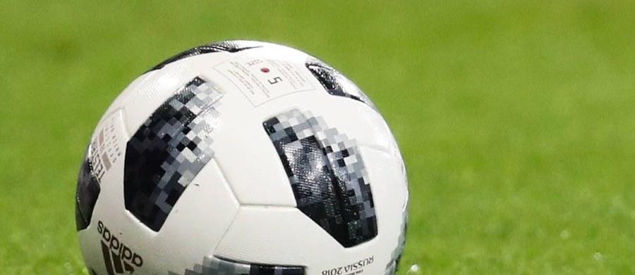 Europejska Unia Piłkarska (UEFA) zagroziła greckiemu Panathinaikosowi Ateny zawieszeniem na rok w rozgrywkach pucharowych, jeżeli do 1 marca klub nie spłaci zadłużenia wobec wszystkich wierzycieli. Dodatkowo panel finansowy UEFA nałożył na grecki klub grzywnę w wysokości 100 tys. euro. Drugie 100 tysięcy klub z Aten będzie musiał zapłacić, jeżeli do 1 marca nie wywiąże się ze wszystkich zobowiązań finansowych.