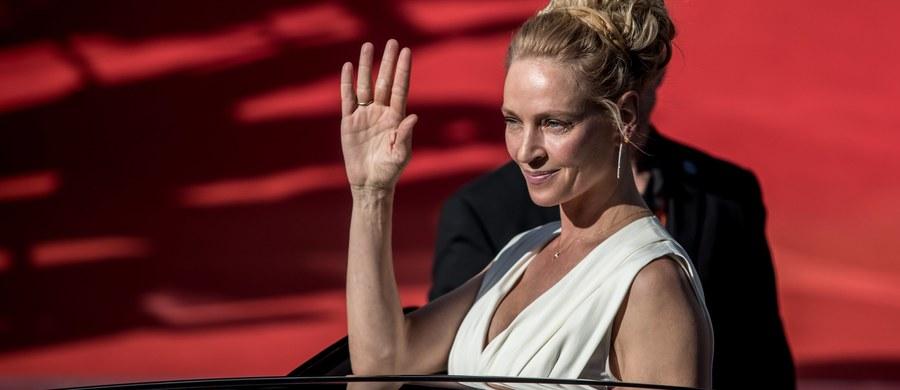 """Uma Thurman, gwiazda takich filmów jak """"Pulp Fiction"""" i """"Kill Bill"""", oskarżyła amerykańskiego producenta filmowego Harveya Weinsteina o molestowanie seksualne. O jego napaściach i umizgach opowiedziała w opublikowanym w sobotę wywiadzie dla """"New York Timesa""""."""