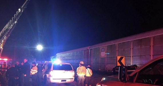 Zderzenie dwóch pociągów w pobliżu Kolumbii w Południowej Karolinie w Stanach Zjednoczonych. Nie żyją dwie osoby, a co najmniej 50 jest rannych.
