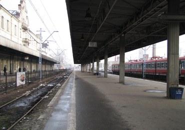 Zuchwały napad na pociąg ze złomem. Złodziej zablokował przejazd