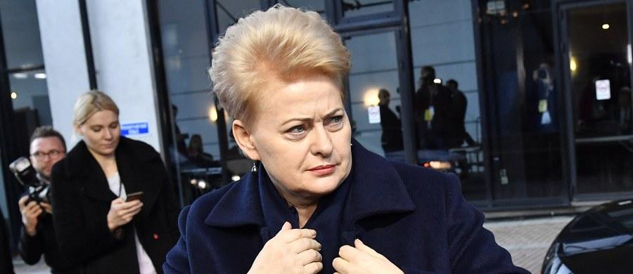 Rosja w obwodzie kaliningradzkim w poniedziałek rozmieściła na stałe rakiety Iskander mogące przenosić głowice jądrowe - poinformowała prezydent Litwy Dalia Grybauskaite.