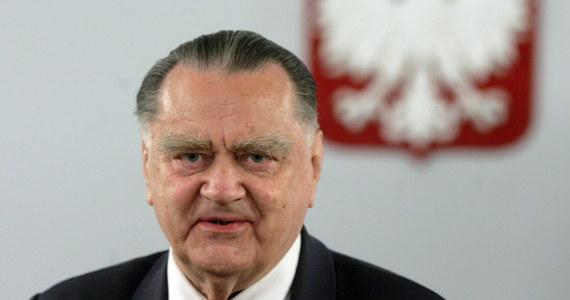 """""""Prezydent razem z premierem mogą wyprowadzić nas z tej sytuacji. Potrzebują jednak czasu"""" - mówił na łamach wtorkowej """"Rzeczpospolitej"""" były premier Jan Olszewski, odnosząc się do nowelizacji ustawy o IPN, która wzbudziła kontrowersje m.in. w Izraelu."""