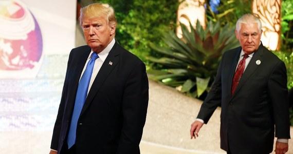 """Amerykańska dyplomacja nie przebiera w słowach, komentując podpisanie przez prezydenta Andrzeja Dudę kontrowersyjnej noweli ustawy o IPN. """"Stany Zjednoczone są rozczarowane"""" - czytamy w oświadczeniu sekretarza stanu USA Rexa Tillersona. """"Wejście tego prawa w życie wpłynie negatywnie na wolność słowa i badań naukowych"""" - stwierdza również Tillerson."""