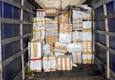 Ciężarówka pełna podróbek wjechała do Polski. Transport przechwyciła KAS