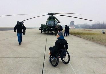 Żołnierze zorganizowali lot śmigłowcem dla swojego niepełnosprawnego kolegi