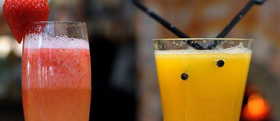 """Australijscy naukowcy odkryli lek, który może pomóc w regeneracji komórek mózgu osób poważnie nadużywajacych alkoholu. Wyniki badań prowadzonych na myszach pokazują, że dwa tygodnie terapii pozwalają przywrócić normalny rozwój komórek nerwowych i odwrócić niekorzystne skutki kilkunastotygodniowego pijaństwa. Doniesienia badaczy z Queensland University of Technology publikuje w najnowszym numerze czasopismo """"Scientific Reports"""". Przyznają, że odkrycia dokonali przez przypadek."""