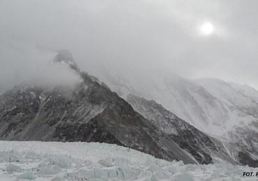 Wyprawa na K2. Wyszło słońce, kolejny zespół wyruszył z bazy