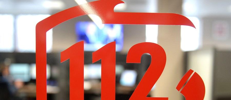 W 2017 r. odnotowano 19 mln zgłoszeń pod numer alarmowy 112. Czas reakcji i podjęcia interwencji jest szybki, to niespełna 10 s. - podkreślił w Rzeszowie szef resortu spraw wewnętrznych i administracji Joachim Brudziński.