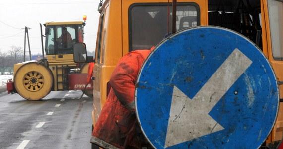 Do najbliższego poniedziałku mają potrwać utrudnienia na drodze krajowej nr 6 w okolicach Goleniowa (Zachodniopomorskie). Trwają tam prace na budowanej S6.
