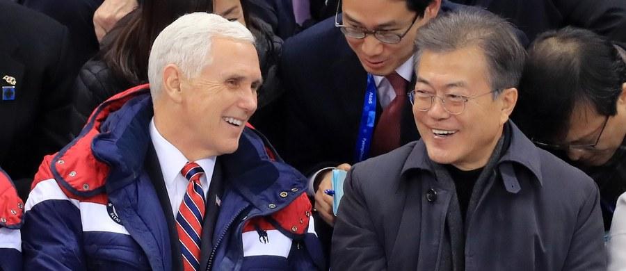 Wiceprezydent USA Mike Pence zapewnił po rozmowach w Pjongczangu, gdzie był obecny na otwarciu Zimowych Igrzysk Olimpijskich, że USA, Korea Południowa i Japonia są jednomyślne w sprawie konieczności izolacji Korei Północnej w związku z jej programem nuklearnym.