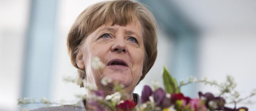 Kanclerz Niemiec i przewodnicząca Unii Chrześcijańsko-Demokratycznej (CDU) Angela Merkel wystąpiła w niedzielę w obronie ustępstw,  jakie poczyniono wobec Socjaldemokratycznej Partii Niemiec (SPD) w rokowaniach w sprawie wznowienia koalicji rządowej.