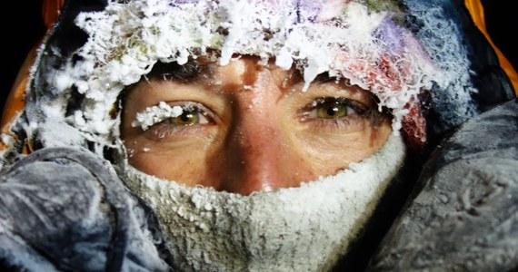 Elisabeth Revol zarzuca niektórym mediom dezinformacje ws. tragedii w Himalajach. Tak paryscy obserwatorzy komentują pierwszy wpis francuskiej alpinistki na Facebooku od czasu pozostawienia przez nią na wysokości 7300 metrów Tomasza Mackiewicza na Nanga Parbat. Kobieta dziękuje m.in. polskiemu rządowi i polskim himalaistom, którzy ja uratowali.
