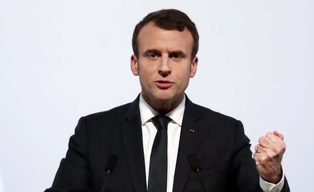 """Prezydent Emmanuel Macron powiedział, że Francja """"uderzy w cele w Syrii"""", jeśli broń chemiczna zostanie użyta przeciwko ludności cywilnej w tym kraju. Zaznaczył, że na razie Paryż nie ma dowodów na takie ataki."""
