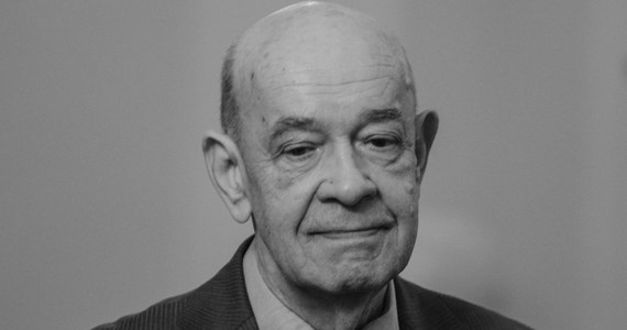 """W środę w wieku 78 lat zmarł Antoni Krauze jeden z najwybitniejszych polskich reżyserów i scenarzystów. O śmierci autora takich obrazów jak """"Czarny czwartek. Janek Wiśniewski padł"""" i """"Smoleńsk"""" - poinformowały w środę wieczór media: tygodnik """"Do Rzeczy"""" i TVP Info."""