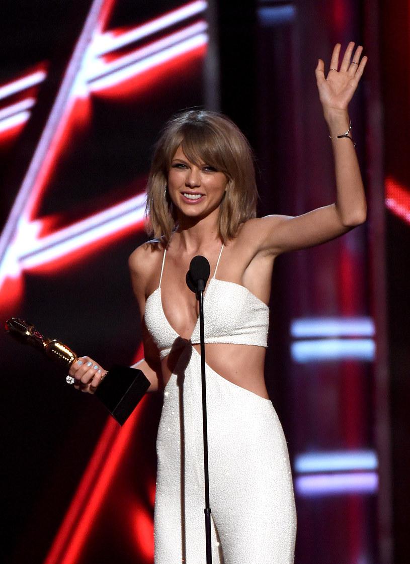 """Sąd odrzucił pozew twórców utworu """"Playas gon' play"""" zespołu 3LW, którzy oskarżyli Taylor Swift o plagiat."""