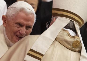 Watykan dementuje słowa brata Benedykta XVI o postępującym paraliżu emerytowanego papieża