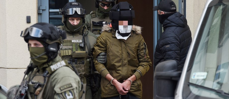 Prokuratura Okręgowa w Warszawie po przeprowadzeniu konfrontacji biegłych psychiatrów z dwóch zespołów ponownie skierowała do sądu akt oskarżenia przeciwko Kajetanowi P. W ocenie śledczych, mężczyzna działał w warunkach ograniczonej poczytalności i może odpowiadać przed sądem.
