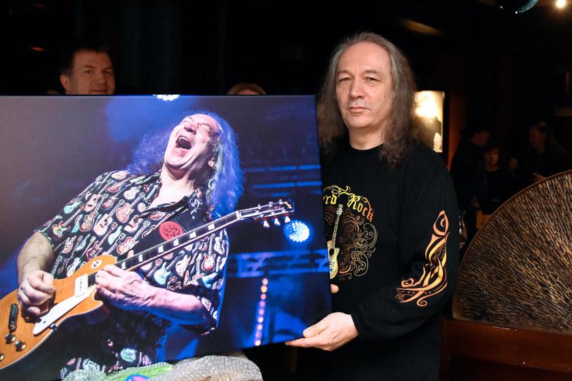 16 lutego 60. urodziny obchodzi Jerzy Styczyński, gitarzysta legendarnej grupy Dżem. Jednak niespodzianka, którą w poniedziałek zafundowali jubilatowi przyjaciele, była jak powiedział, najlepszą w jego życiu.